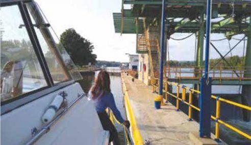 Senate Bill for Canals